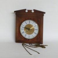 E16-4 reloj-pendulo-cuadrado