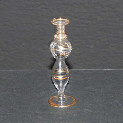 E17-3-10-jarroncito-cristal-motivos-dorados