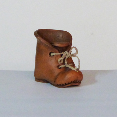 E17-3-11-bota-barro-cordones-cuerda