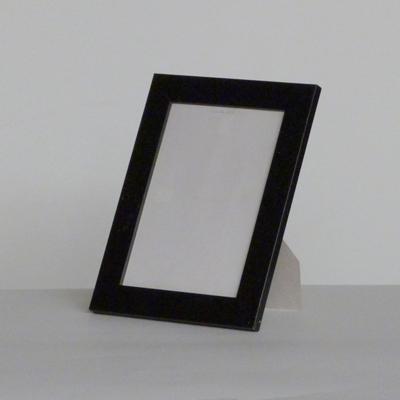 E18.3.C1.2.marco-negro