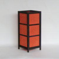 E19-4-16-tulipa-rectangular-roja-estructura-de-madera