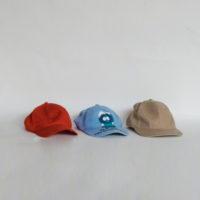 E28-4-C1-16-gorras-visera-rojo-beige-azul
