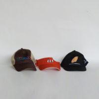 E28-4-C1-18-gorras-visera-rejilla-marron-roja-negra