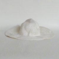 E28-4-C1-19-sombrero-playa-ganchillo-blanco