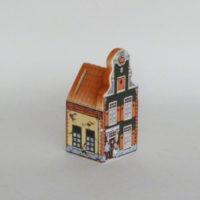P2-EB-4-10-hucha-ceramica-casita