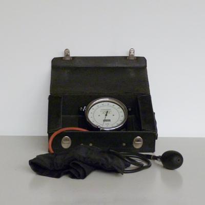Ref.E1.2.6.maletin-tensiometro