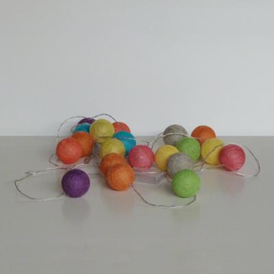 Ref.E19.4.13.guirnalda-de-bolas-a-pilas