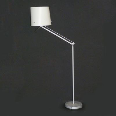 Ref.P2.7.2.lampara-de-pie-gris