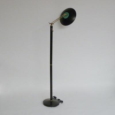 Ref.P2.7.3.lampara-de-pie-negra