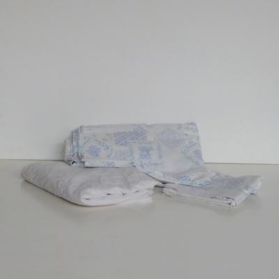 Ref.TC8.2.sabana-azul-con-flores-cama-135