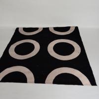 alfombra-negra-circunferencias-blancas