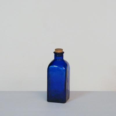 botella-zul-corcho