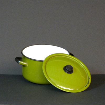 cacerola-metal-verde