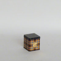 caja-laton-cuadros-escoceses