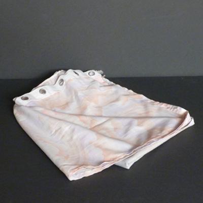 cortina-estampado-rosa-gris