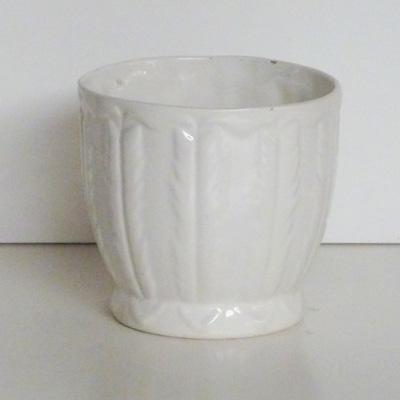 maceta blanca