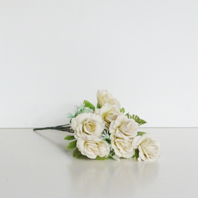 nueve-rosas-blancas