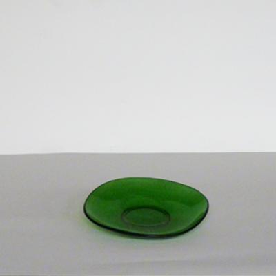 plato-redondeado-cristal-verde