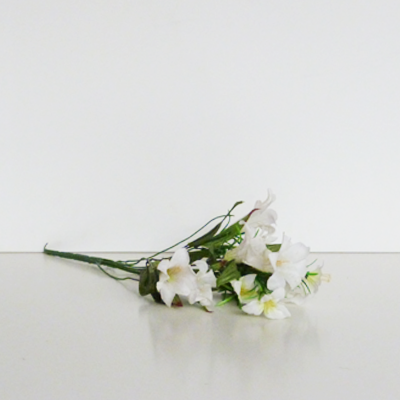 ramo-campanillas-blancas