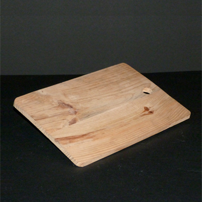 tabla-madera-rectangular-con-agujero