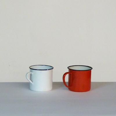 tazas-loza-roja-y-blanca